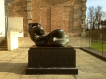 Moore - Reclining Figure